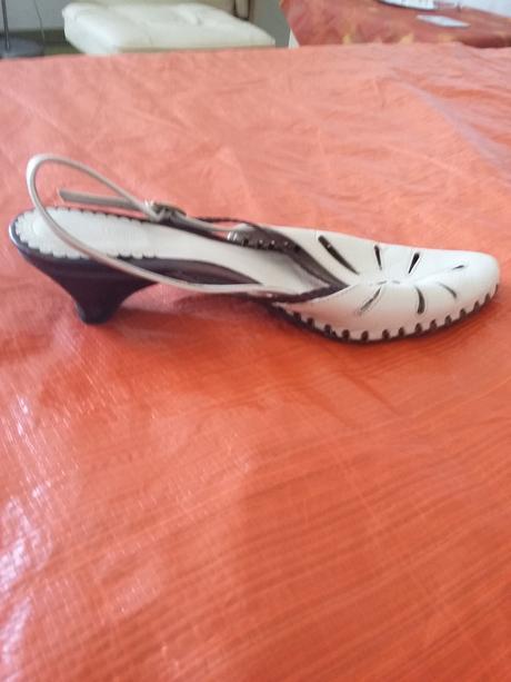 Elegantní kožené boty na nízkém podpatku, 40