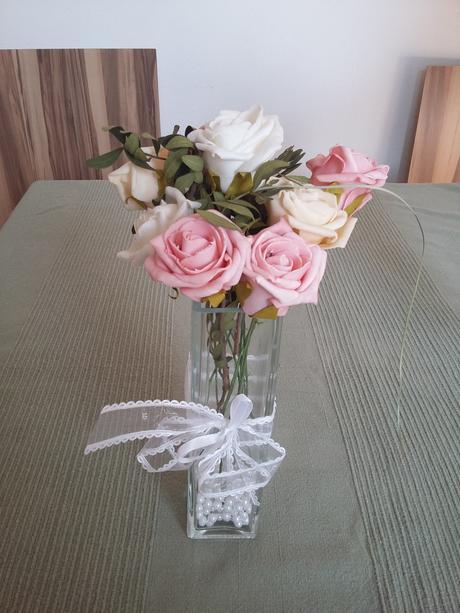 Kytice na svatební stůl,