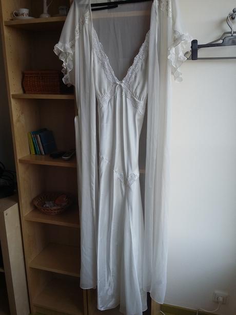 Luxusní dlouhá svatební košilka s lehkým župánkem, 50