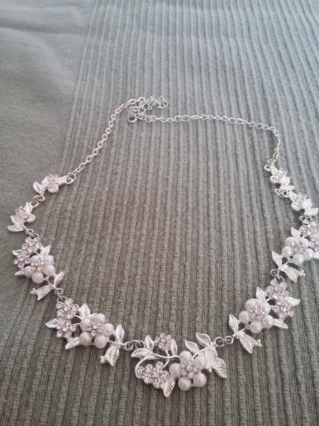 Neokoukané svatební šperky s hřebínkem do vlasů,