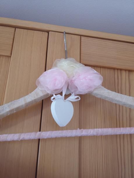 Ramínko na svatební šaty,