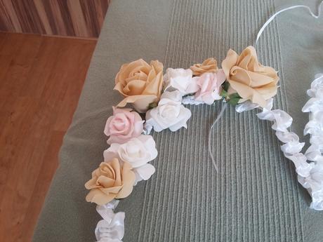 Velká srdce s růžemi,