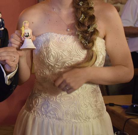 Svatební šaty šampaň s originálním korzetem, 38