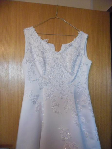 Svadobné šaty(aj pre tehotne), 40