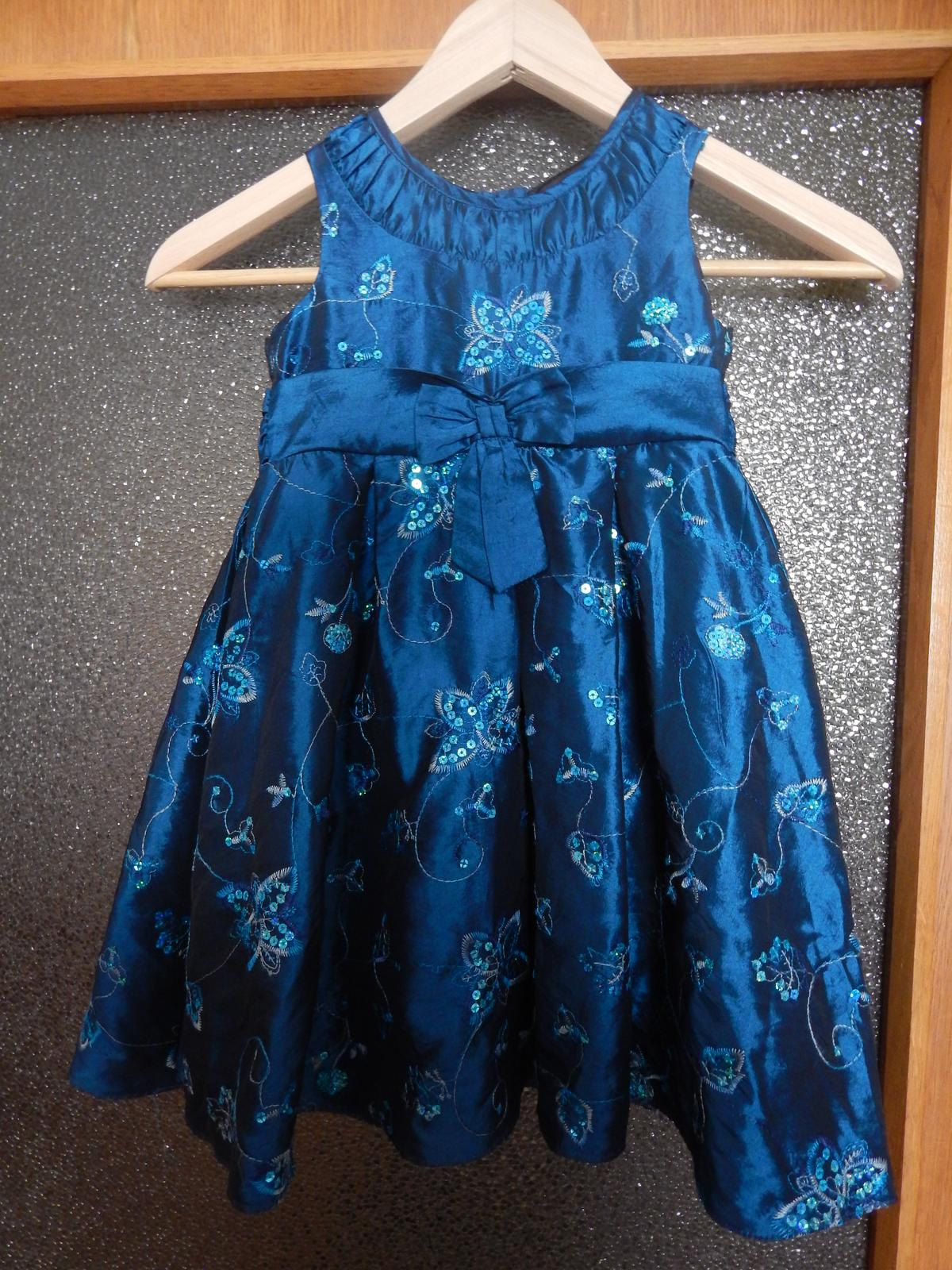 4f51d6badf1 Dětské modré společenské šaty