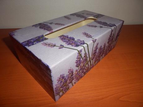 krabička na vreckovky,