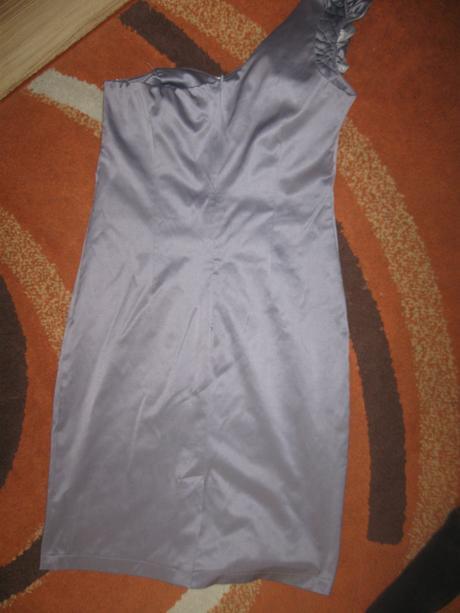 skvelé elegantné  šaty, 38