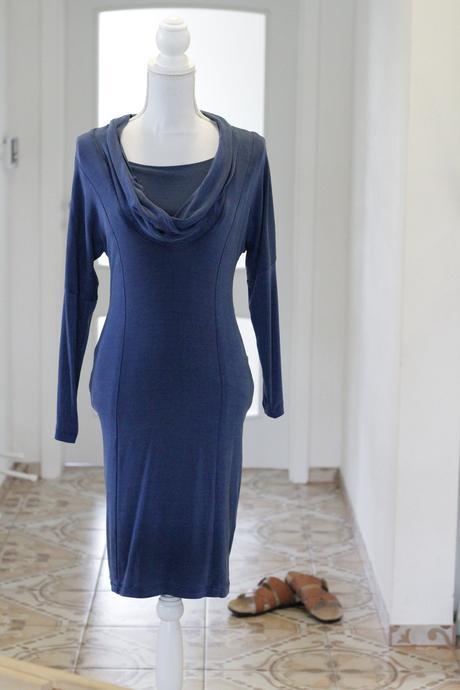 Tmavomodré šaty Zahoni, 36