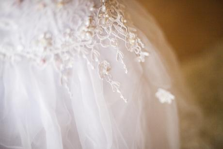 družičkovské bílé šaty , 116
