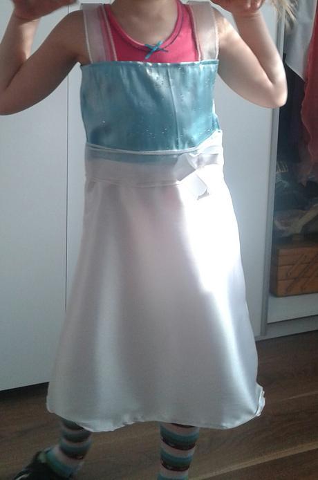 Bielo modre saticky pre druzicku a sako pre fešáka, 116