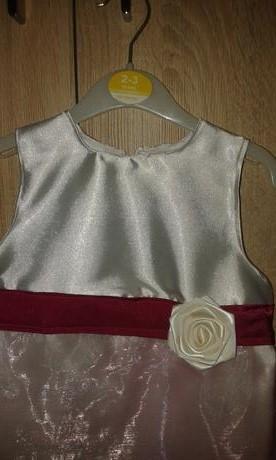 Šaty pre malu druzicku, 98