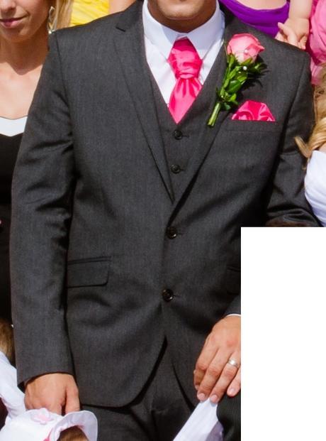 Šedý oblek s cyklamenovým - Marks & Spencer, 42