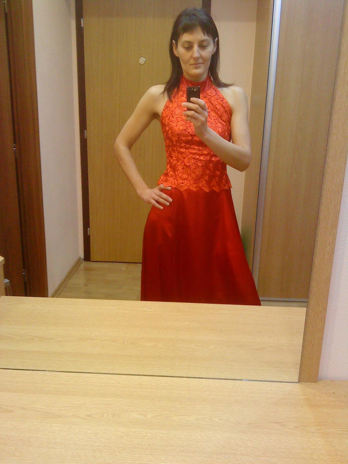 Dlhé spoločenské šaty 6ffb0c81203