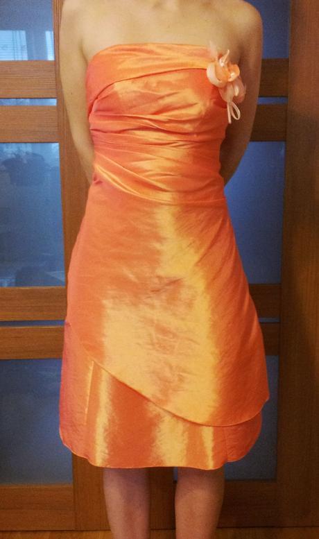 Oranžové spoločenské šaty, 36