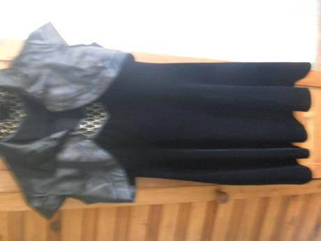 koktail. semišové spoločen.šaty so zlatým detailom, 36