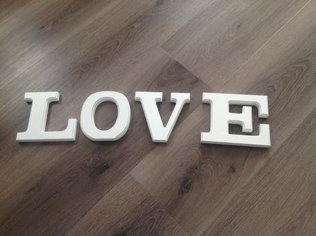 Drevena pismena LOVE,