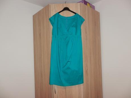Pekné šaty, 42