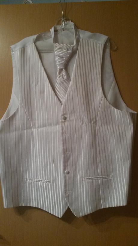 svadobná vesta s kravatou, 56