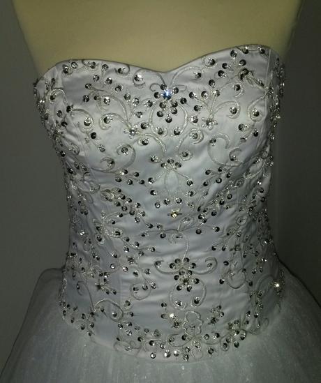 Svadobné šaty s kamienkami a flitrami, 36