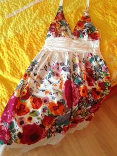9c840502c9ce Ponuka - letné šaty kvetinový vzor so spodničkou