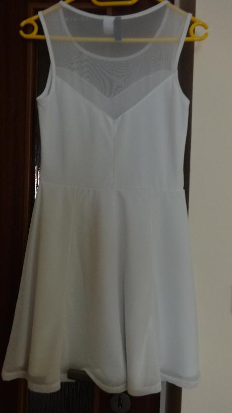 Bílé popůlnoční šaty, 36