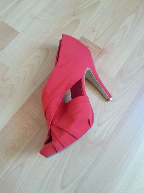 Červené spoločenské topánky, 39