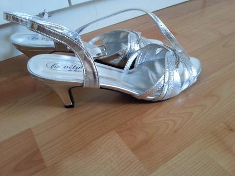 Strieborné spoločenské topánky, 39