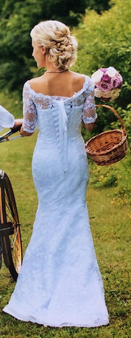 krajkove svatebni saty na drobnou nevestu, 34