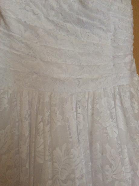 Snehobiele čipkované svadobné šaty, 38