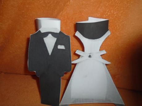 papieroví mladomanželia,