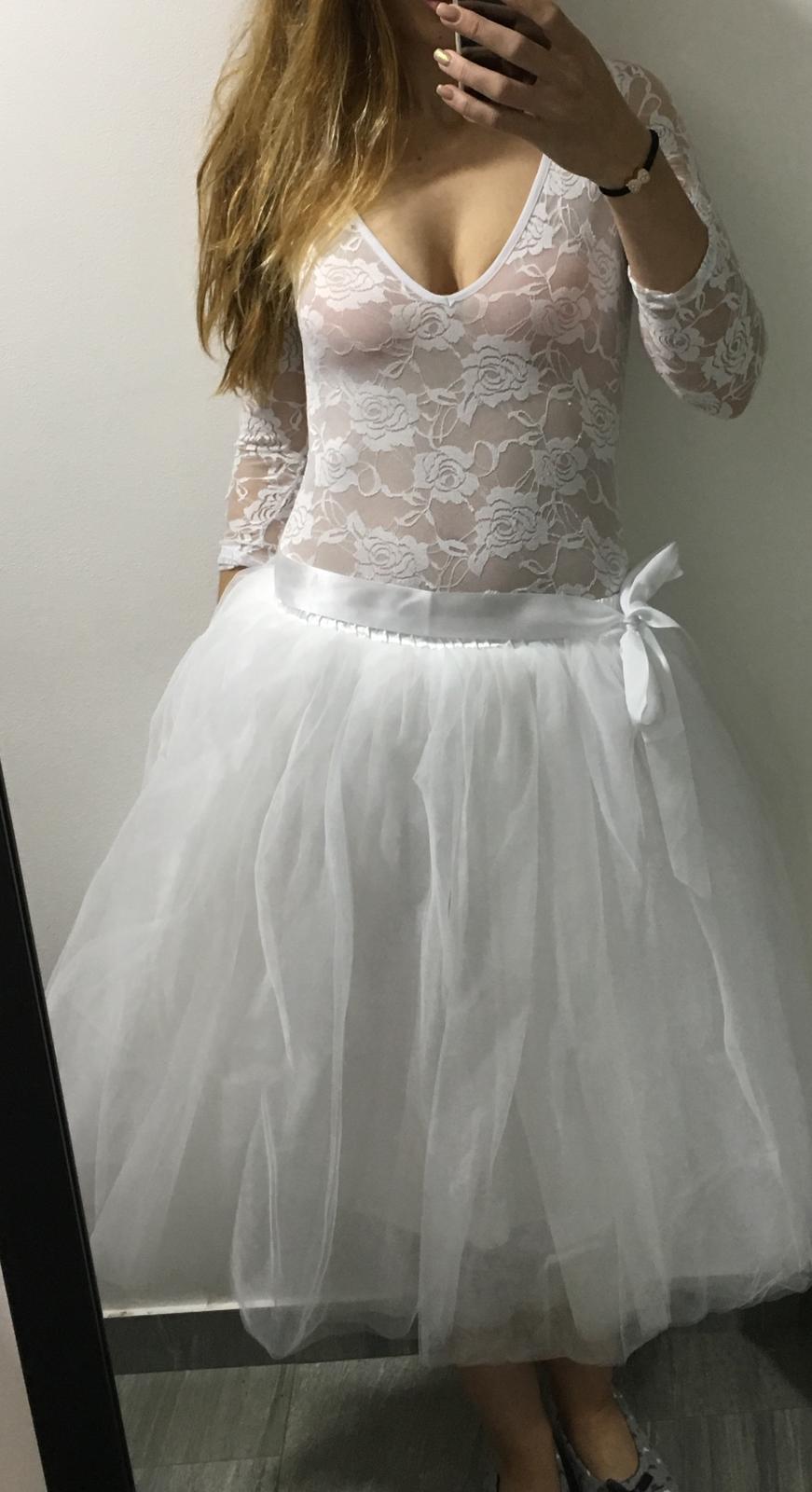 Tylová sukně 47f5e29da6