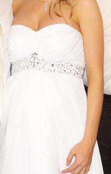 Svadobné šaty s všitou podprsenkou, 36