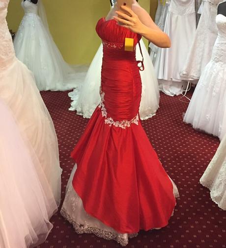 Nadherne šaty ušité v Taliansku , 38