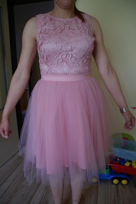 Koktejlové spoločenské šaty, 38