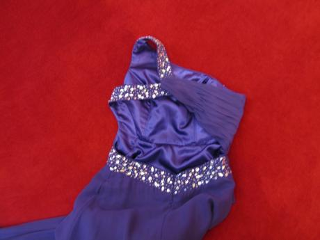 dlhé spoločenské fialové šaty, 38