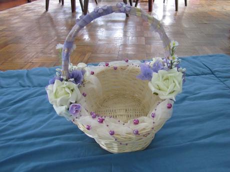 košík na svadobné pierka alebo lupene,