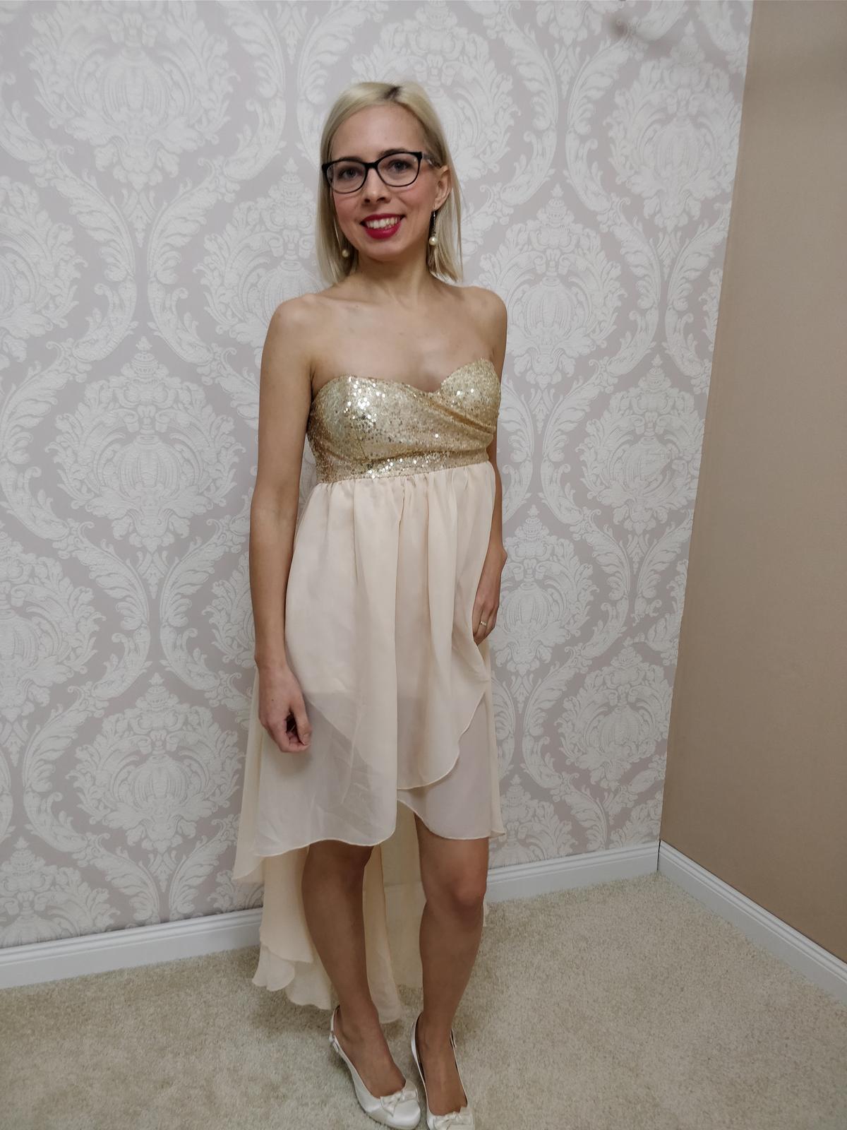 966e0aeb02c4 Spoločenské šaty vpredu krátke vzadu dlhé