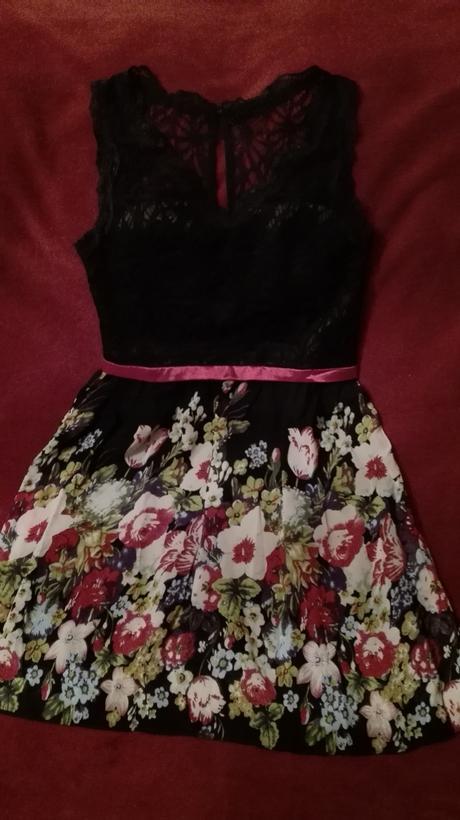 krátke spoločenské šaty, L