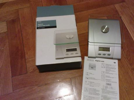 kuchynská váha - nepoužívaná,