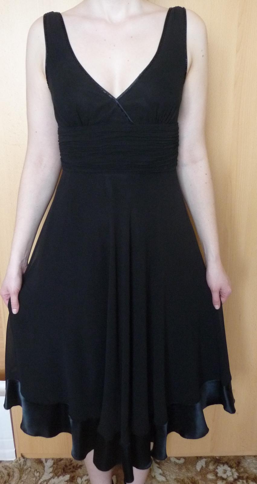 Spoločenské šifónové šaty s výstrihom 6544d434e54