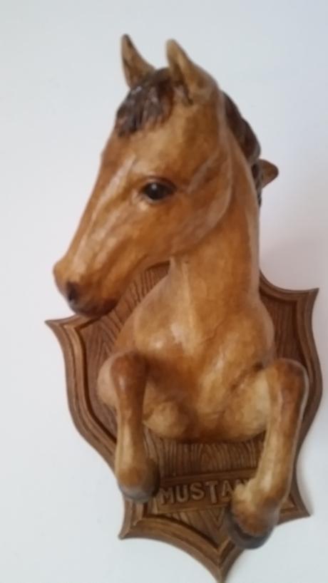 kôň Mustang - keramika,