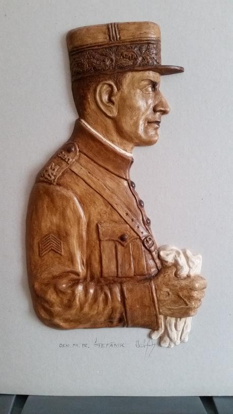 reliéf M.R. Štefánika,