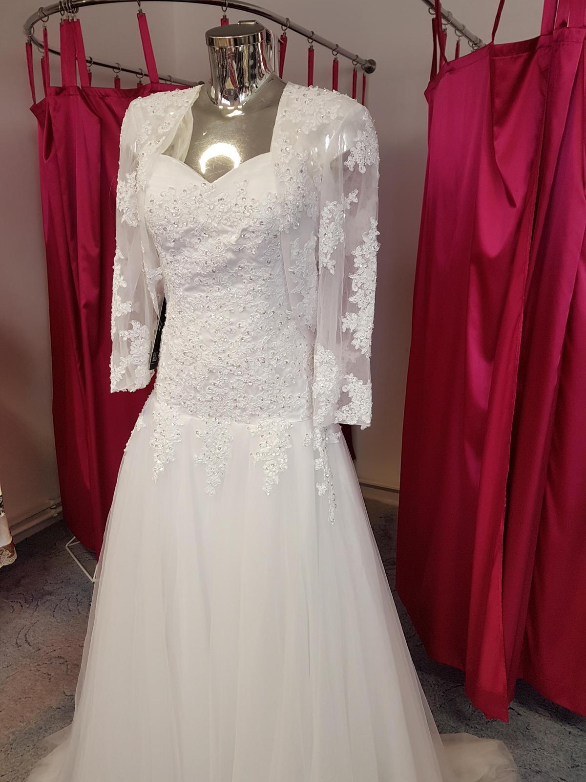 22e8f6772e41 pekné svadobné šaty