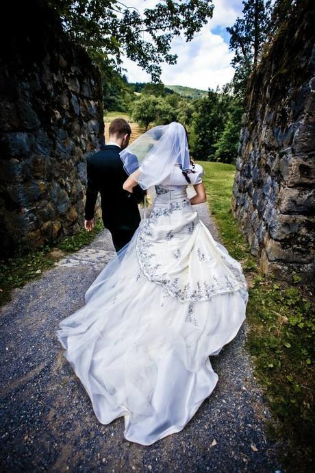 Svatební šaty od švadleny, 38