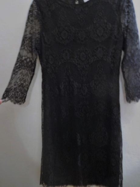 malé černé krajkové společenské šaty, 36