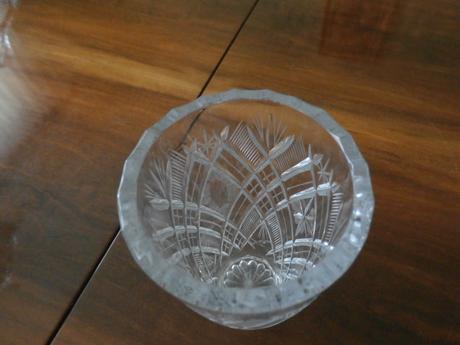 sada z brúseného  skla,