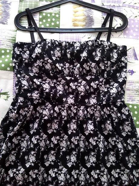 Květinové šaty, 38