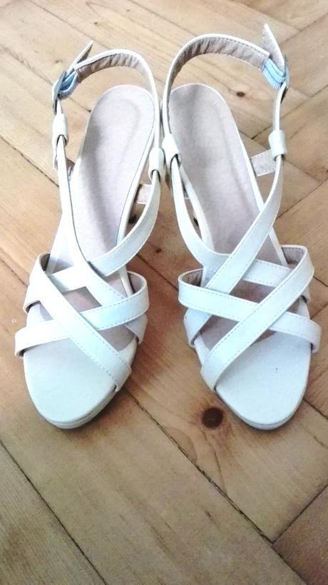 Nude sandále na podpatku, 41