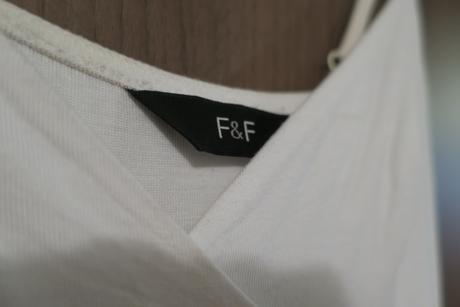 Prúžkované bielo-čierne letné šatičky F&F, 36