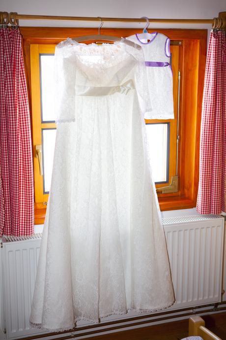 Krajkové svatební šaty - i pro těhotné, 38